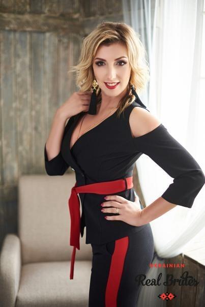 Photo gallery №12 Ukrainian lady Yuliya