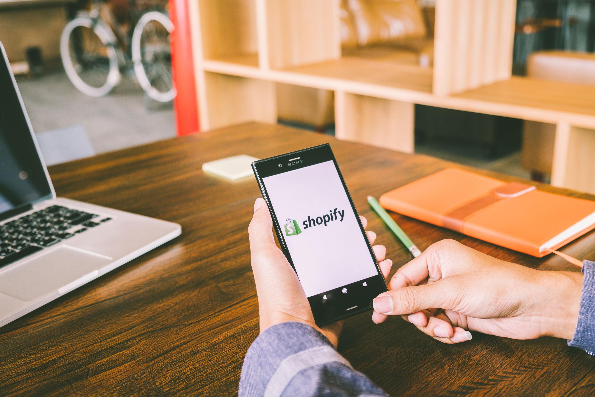 ntegrasi Midtrans dan Shopify Permudah Transaksi Online