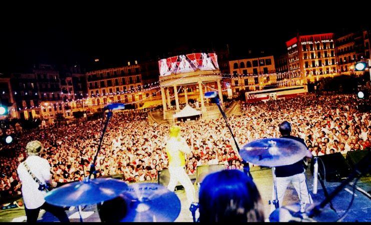 Banda internacional  tributo a Queen PLay The Game  Tinglados