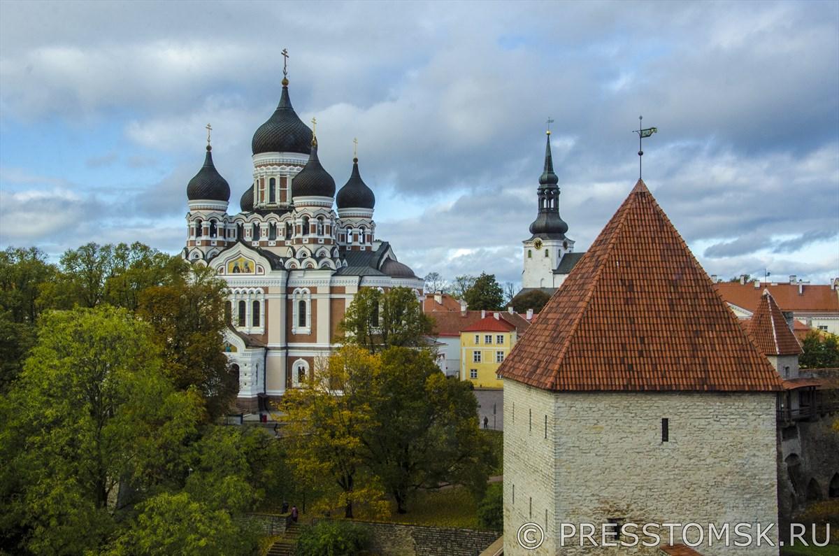 Вид на Собор Александра Невского с башни Кик-ин-де-Кёк