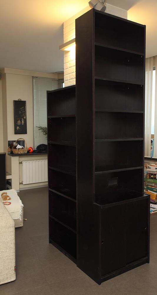 дубовый книжный шкаф стеллаж колонна вокруг дуб