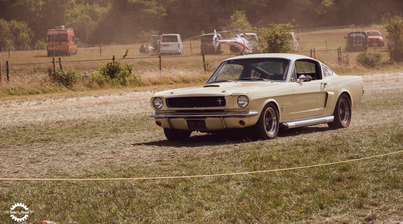 Cinq des meilleures voitures classiques pour faire un voyage en voiture