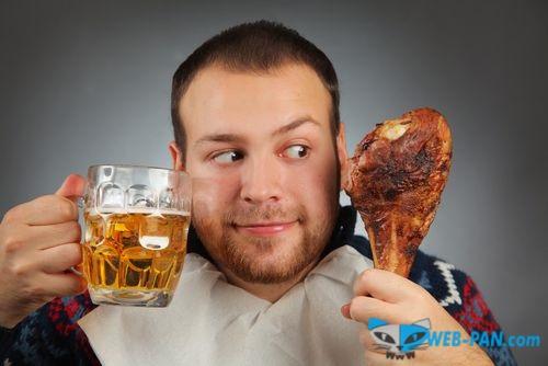 Пиво и рулька, друзья на век! Но готовить рульку с капустой умеют единицы, в Гвозде - не берите никогда!