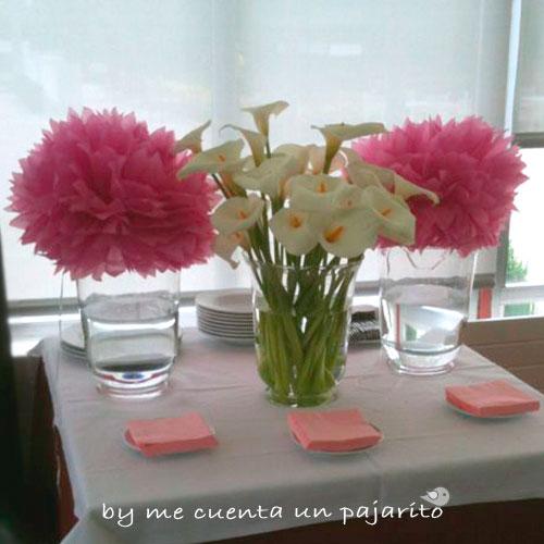 Mesa dulce bautizo de Carlota, pompones de seda