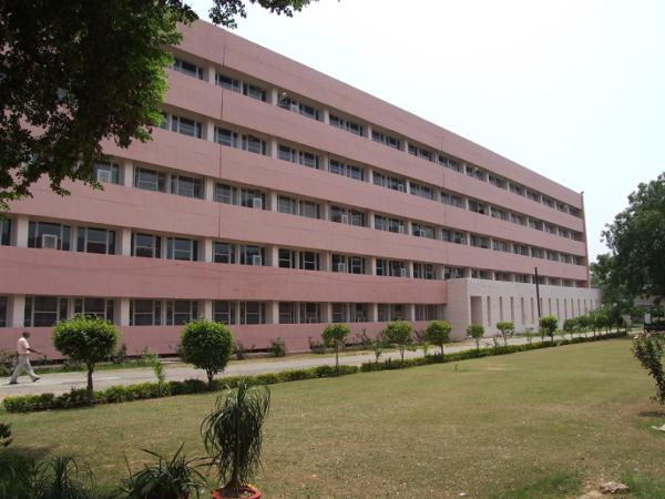 Pt. B.D. Sharma Post Graduate Institute of Dental Sciences, Rohtak Image