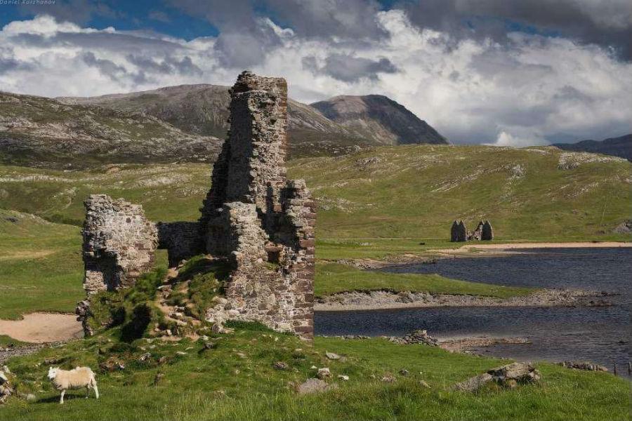 Замок Адврек (Ardvreck Castle)