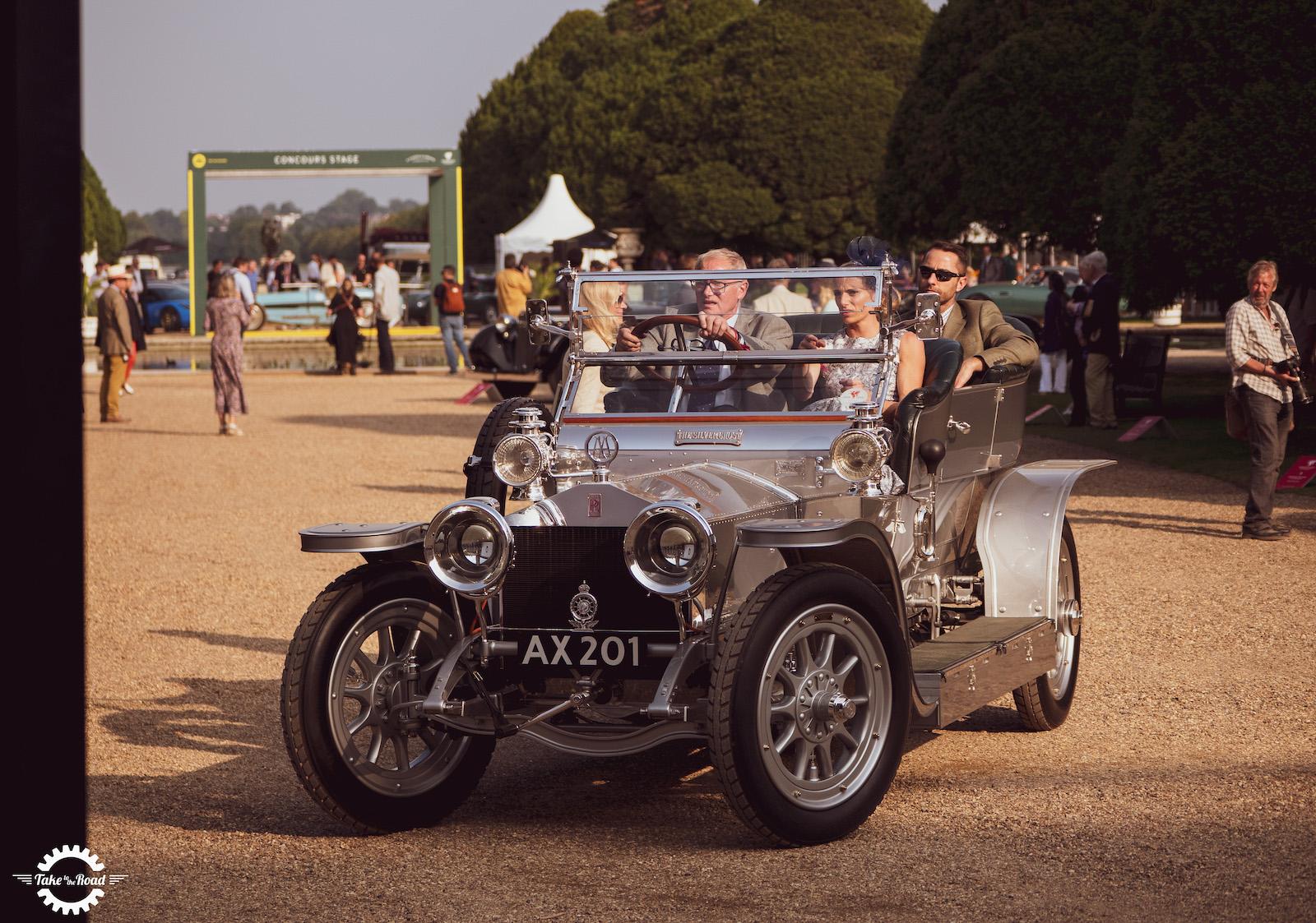 Les joyaux de l'automobile éblouissent au Concours d'Elégance 2021