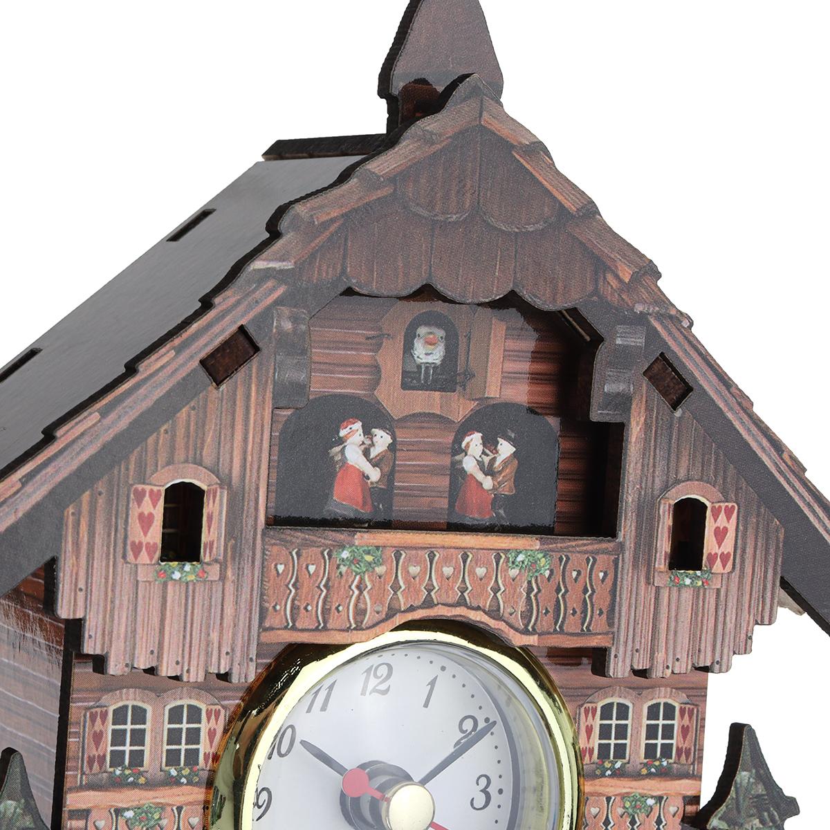 Home Decorat: Cuckoo Clock Mount Wooden Wall Clock Analog Auto