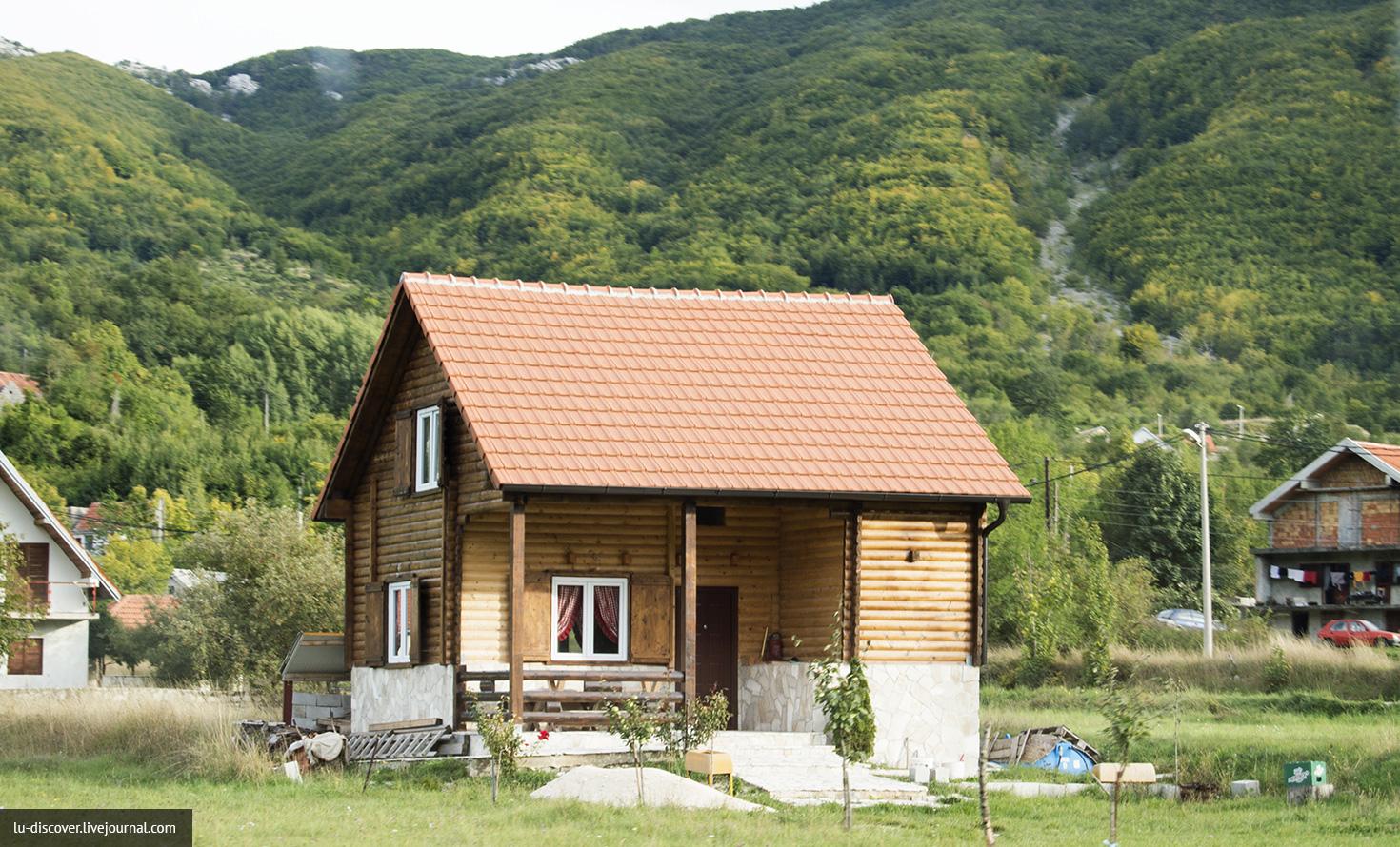 Один из домиков в Негушах, Черногория