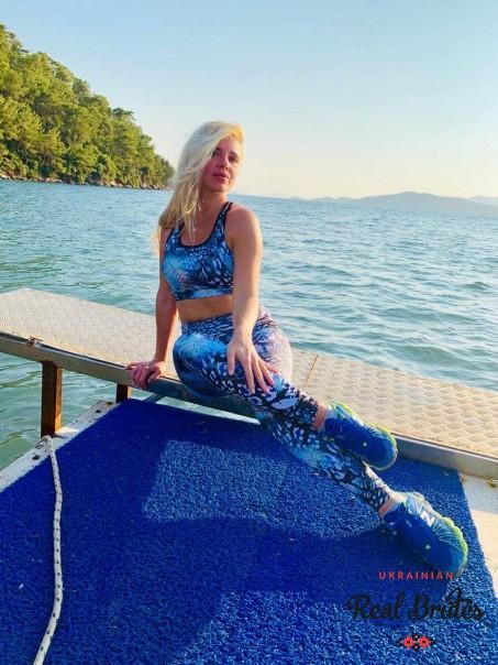 Photo gallery №12 Ukrainian lady Svetlana