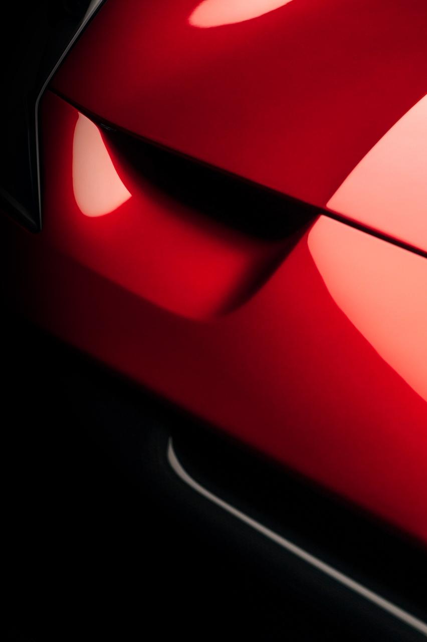Striking one off Ferrari Omologata V12 unveiled
