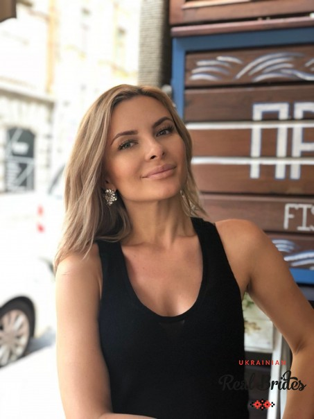 Photo gallery №7 Ukrainian lady Alona