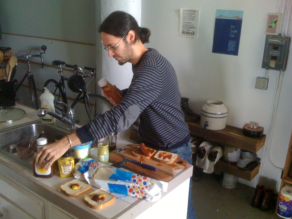 Mashaper Michele making breakfast for everyone