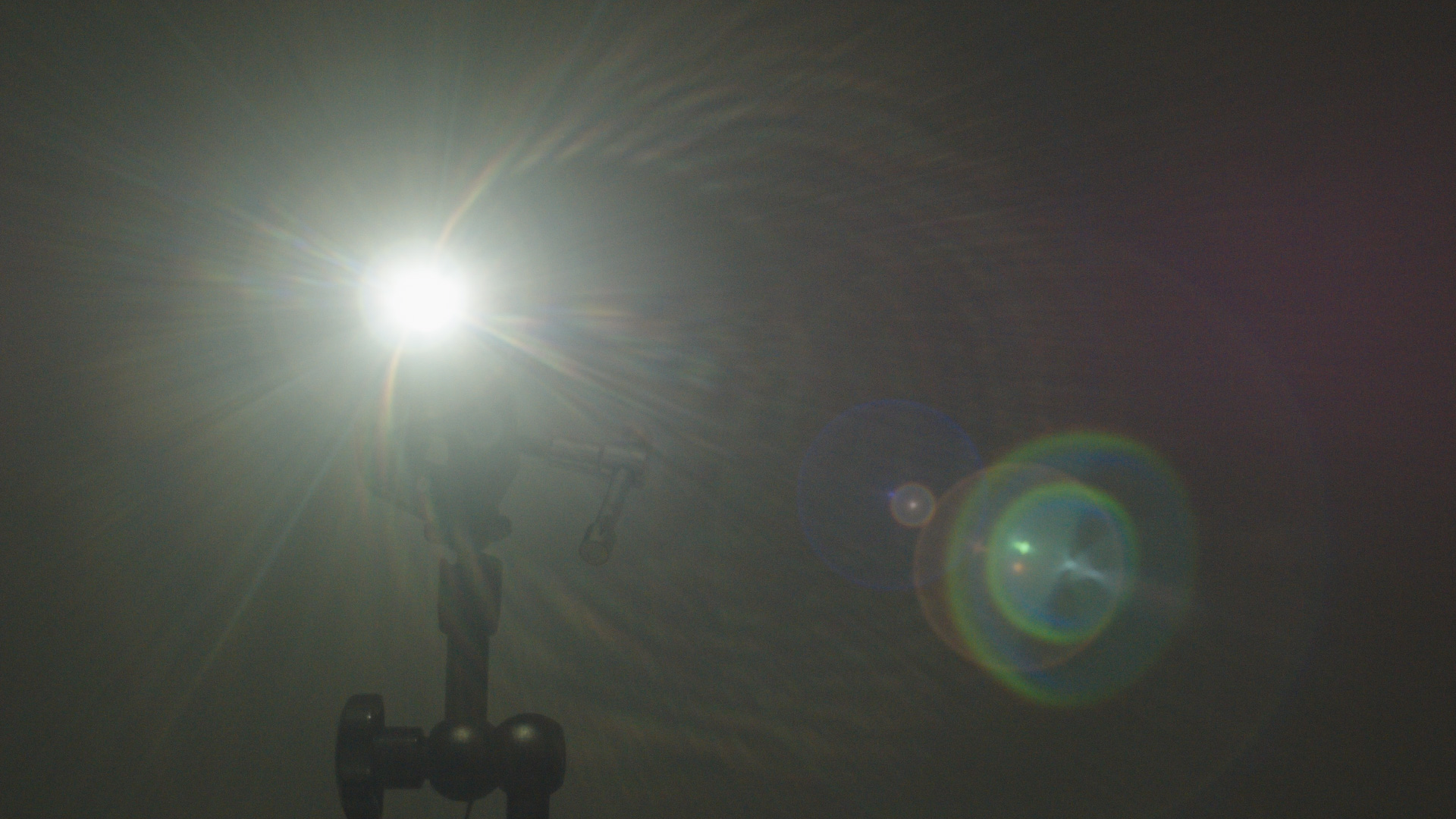Flare-Yashica-50mm-f1.7.jpg