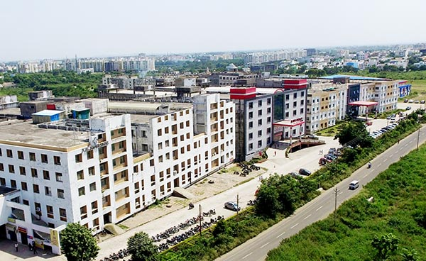 LNCT University