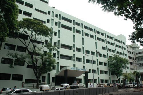 K.E.M. Hospital Image