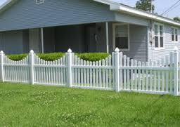 scalloped picket vinyl rail fence arizona Image