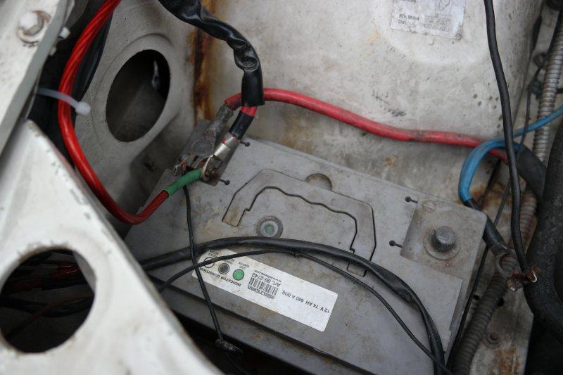 dl.dropboxusercontent.com/s/69kf8zgvgiwqw01/Batteri_Volvo_740.jpg