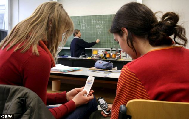 mobile phones should not be banned in schools essay