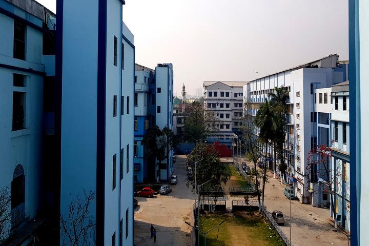 Calcutta National Medical College Image