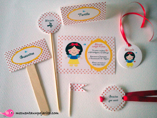 kit fiesta personalizada de cumpleaños de Blancanieves, invitaciones, meseros, place cards, toppers, etiqueta gracias, mini flag
