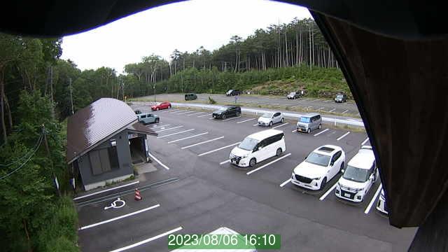 白駒池駐車場ライブカメラ1