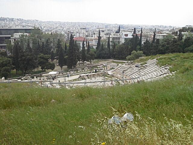 Вид с Перипата на театр Диониса