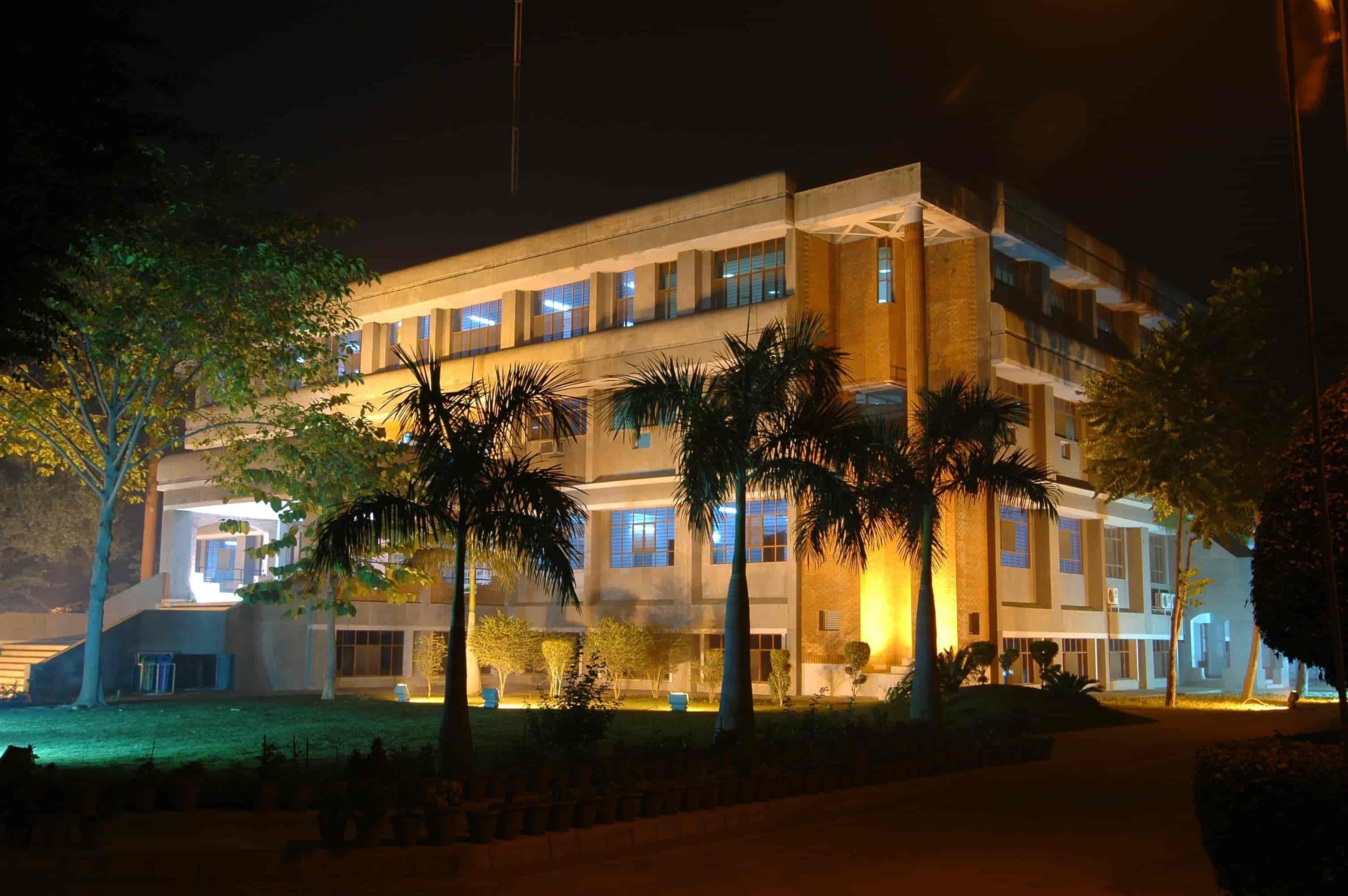 Ajay Kumar Garg Engineering College, Ghaziabad