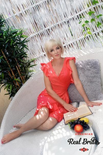 Photo gallery №10 Ukrainian women Larysa