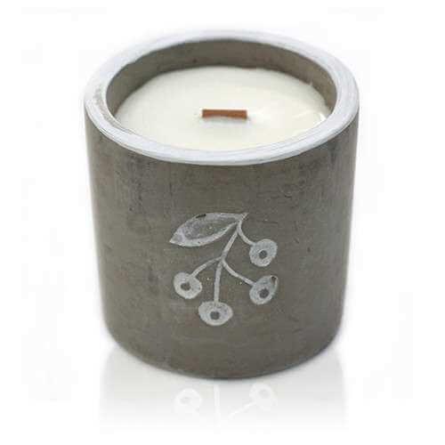 soy wax medium concrete candle - juniper & sweet gin