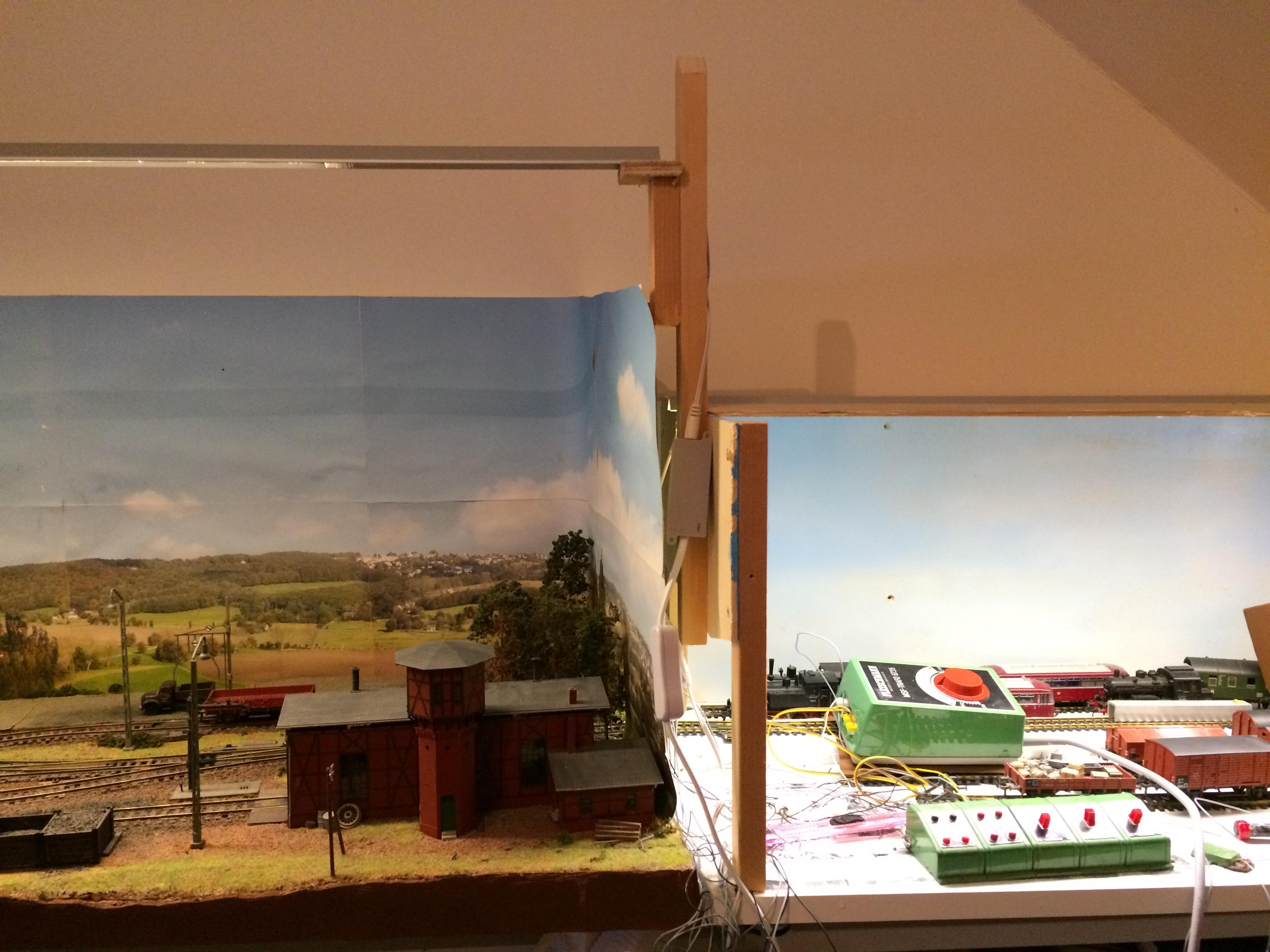 De overgang tussen diorama en schaduwzijde.