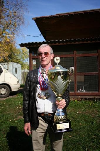 Колесников_С.В. голубевод Подольского клуба спортивного голубеводства