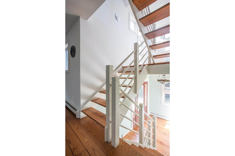 4 Rabbit Run Stairway