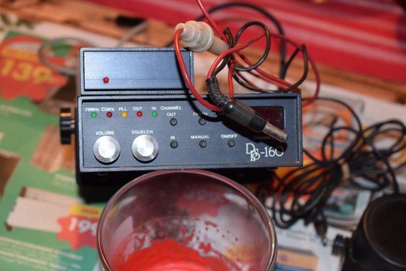 dl.dropboxusercontent.com/s/9fhmqds3fe1944w/Polis%20radio%20DSL160.jpg