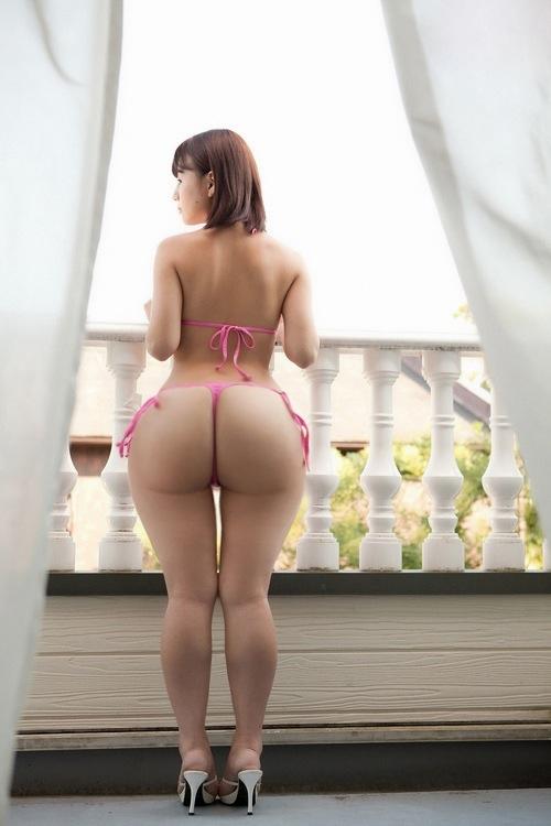 фото голых японок с широкими бедрами