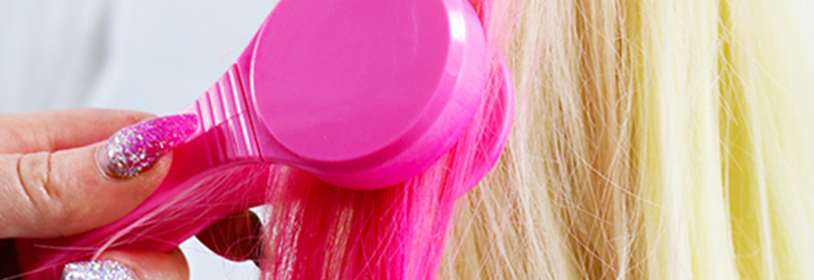Brush in Hair Chalks
