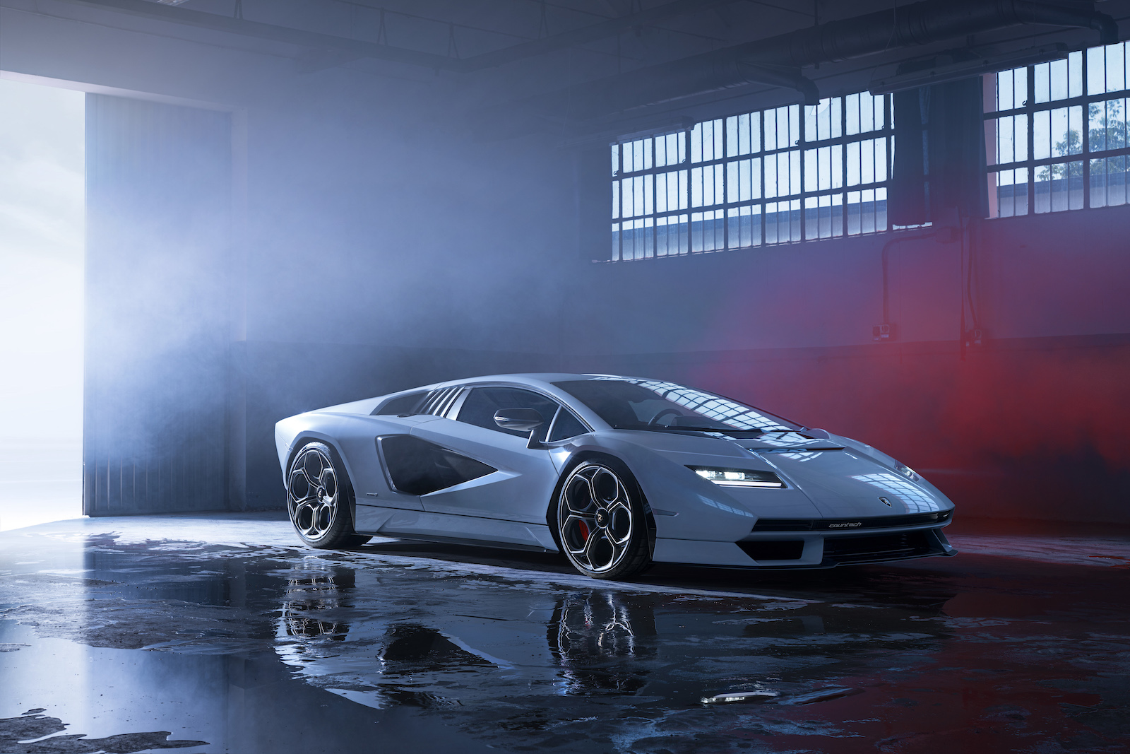 Lamborghini is bringing back the legendary Countach