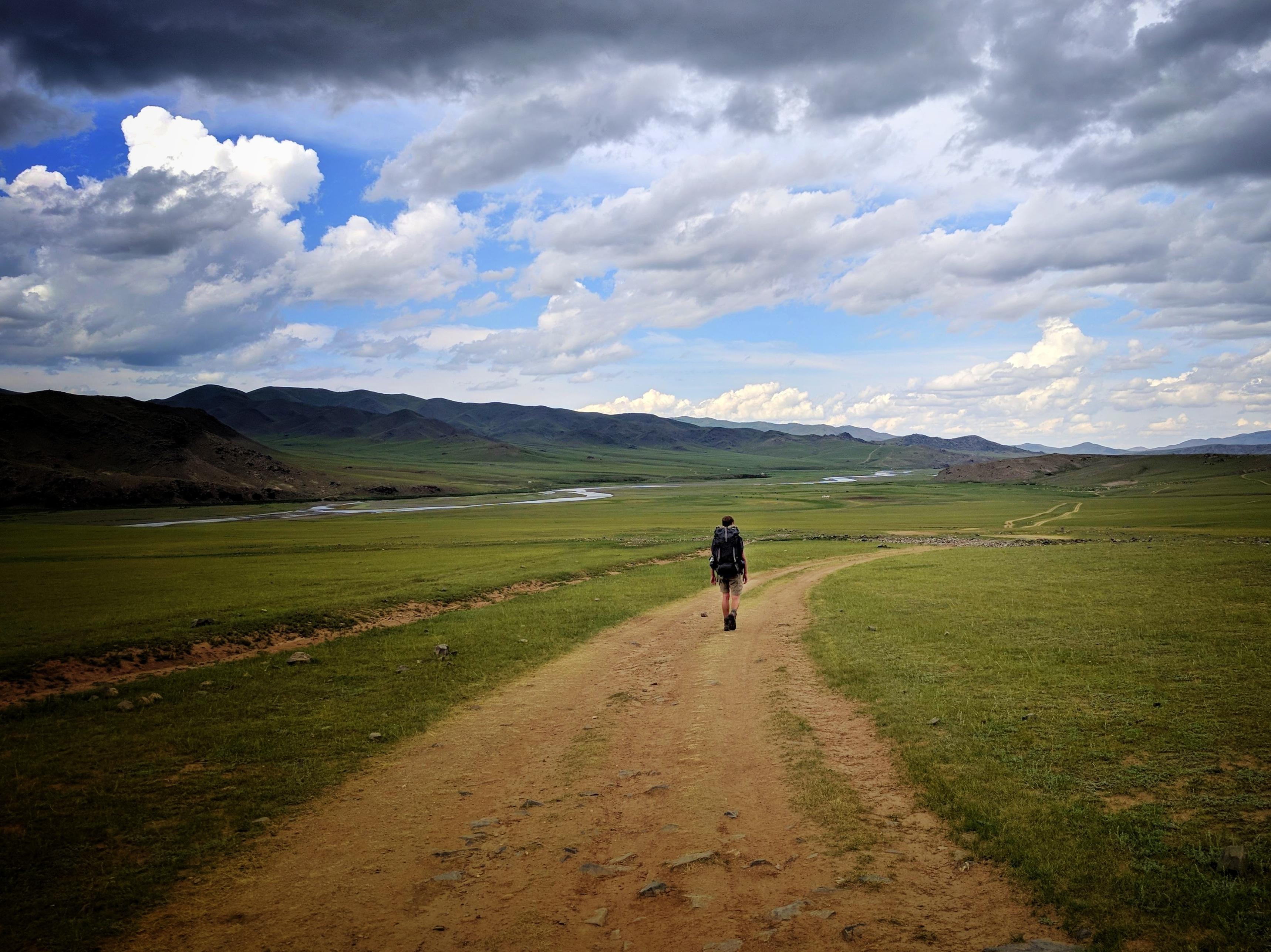 Thijs wandelt door de vallei