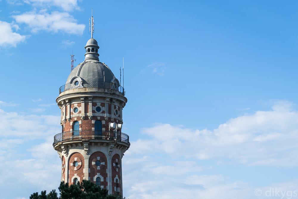 La Torre de les Aigües de Dos Rius en el Tibidabo
