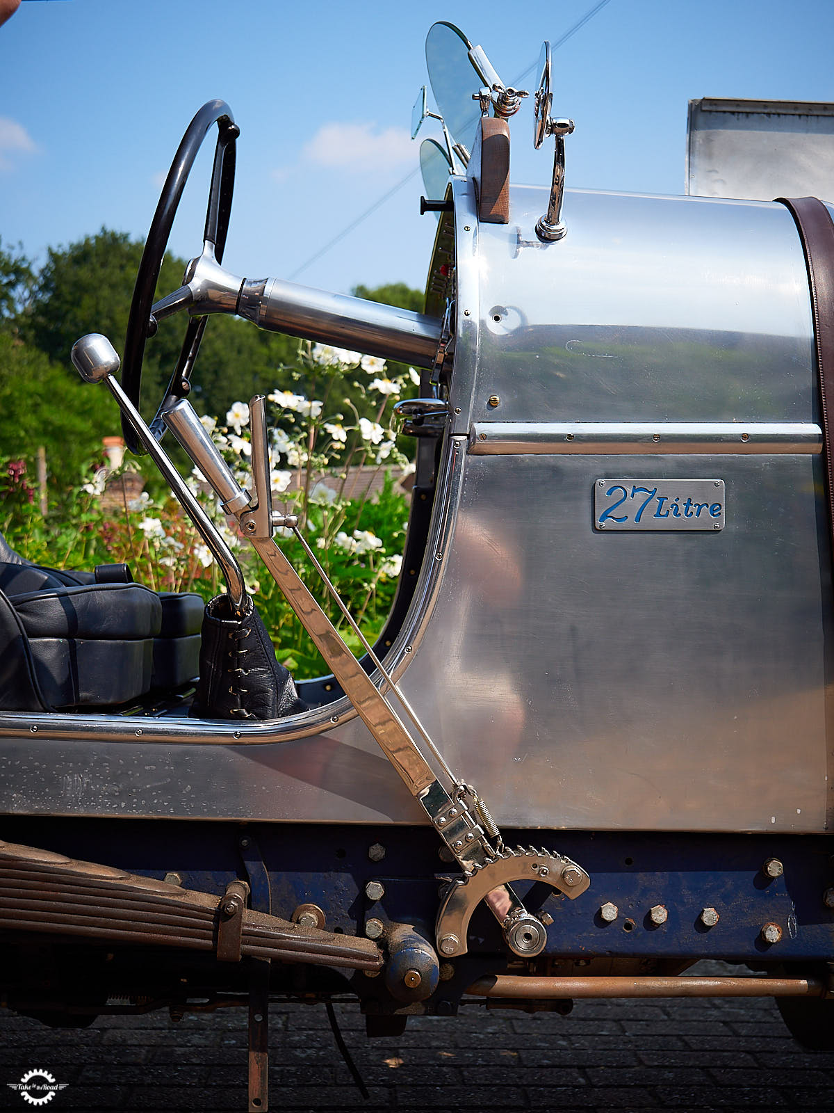 An afternoon with a 1924 Minerva Liberty Special 27ltr V12