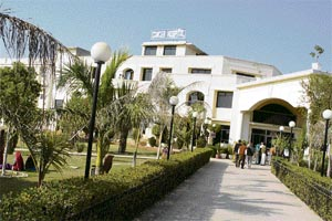 Dr. S S Yadav Ram Bhagwan Charitable Institute Of Cancer Management and Research, Rewari Image