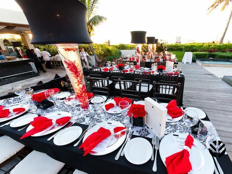Extravogant and elegant floral arrangements to suit any celebration