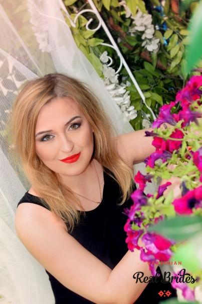 Photo gallery №10 Ukrainian bride Elena
