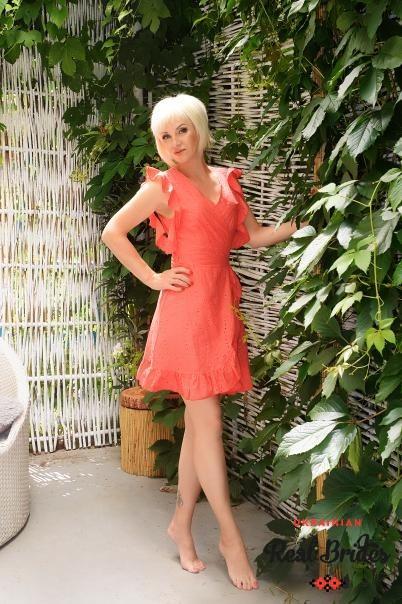Photo gallery №2 Ukrainian women Larysa