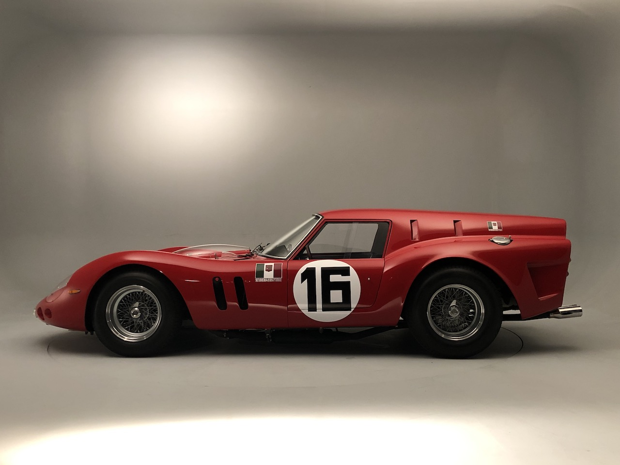 100 of the worlds finest classics to star at Auto Royale
