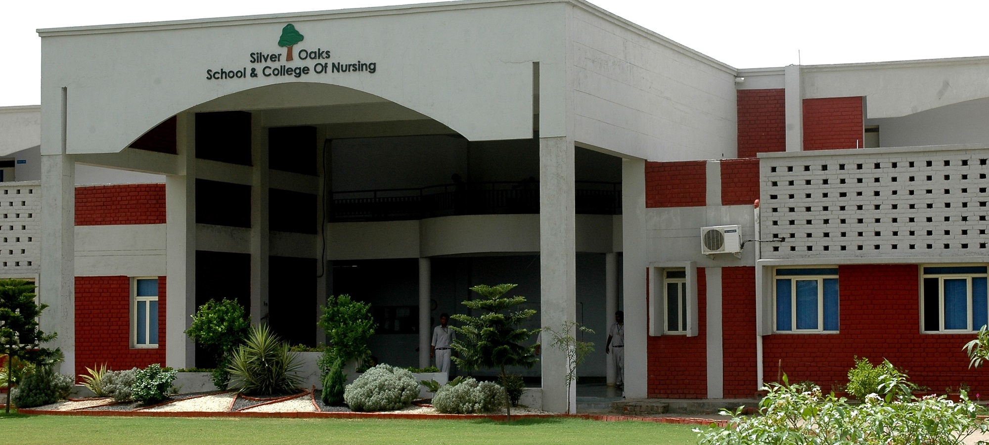 Silver Oaks College of Nursing, Mohali Image