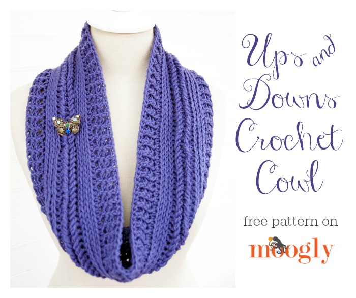 Ups and Downs Crochet Cowl Free Crochet Pattern  |  via Crochetrendy