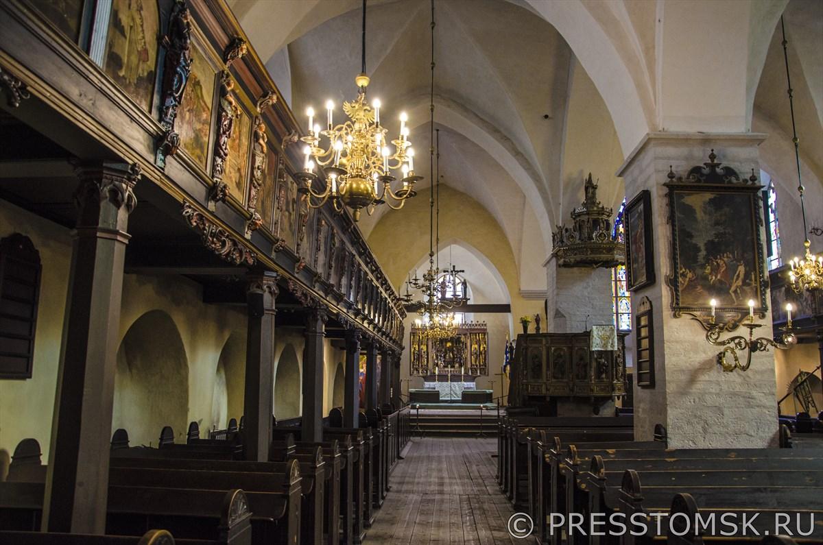 Интерьер Церкви Святого Духа