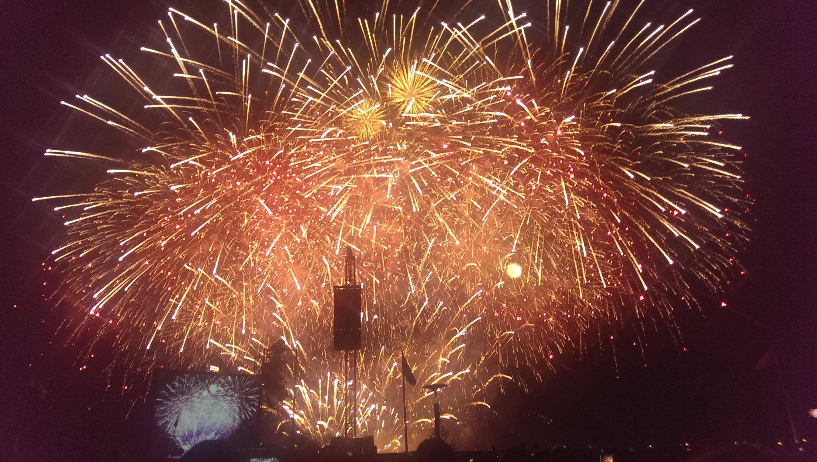 Platinum fireworks3