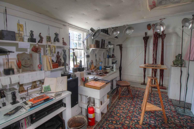 22 East Commercial Street Artist Workshop